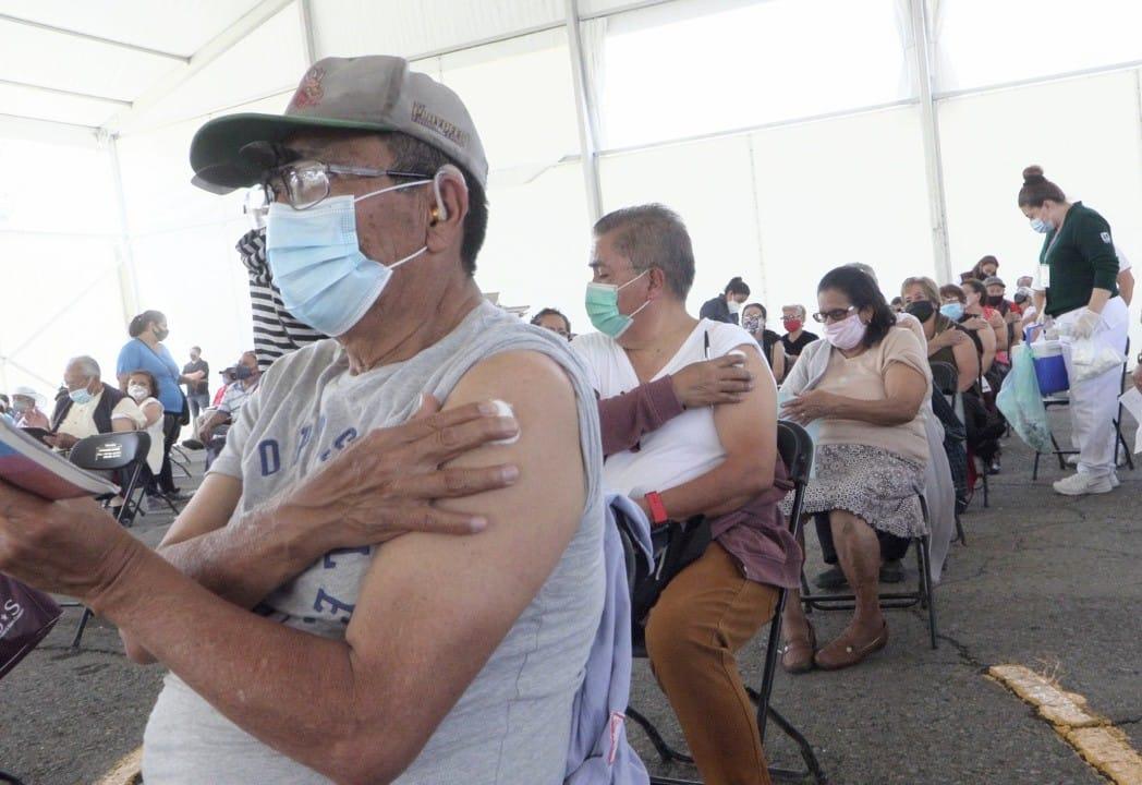 Más de 120 mil adultos mayores han recibido la primera dosis de la vacuna contra COVID-19 en Ecatepec