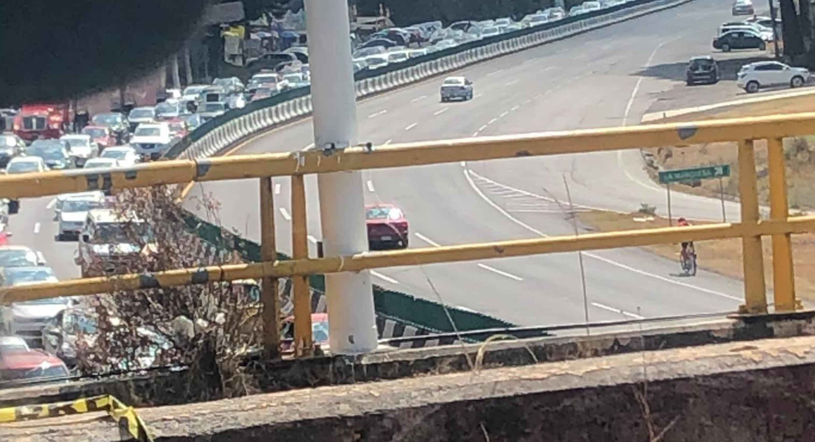 Se registra tránsito vehicular congestionado para entrar a «La Marquesa»