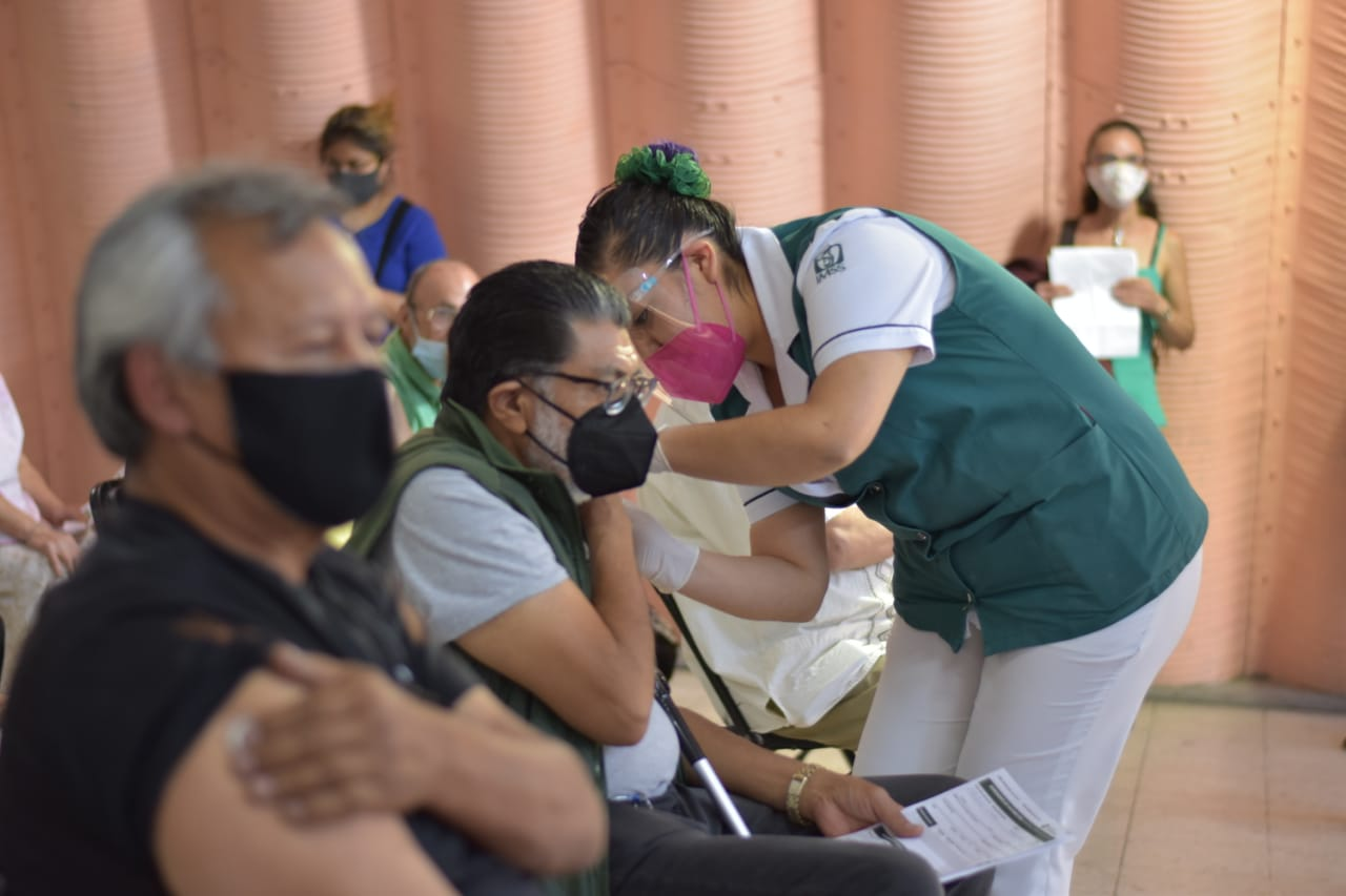 En Ecatepec, 165 mil 339 personas mayores de 60 años han recibido la primera dosis de la vacuna contra el COVID-19