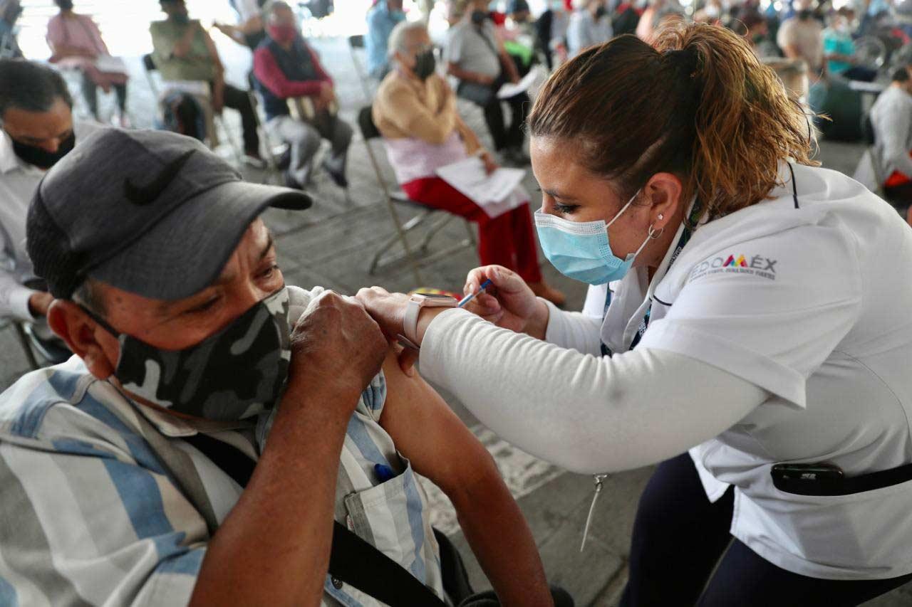 A partir del miércoles 31 de marzo, iniciará la vacunación contra el COVID-19 para adultos mayores en 16 municipios del Edoméx.