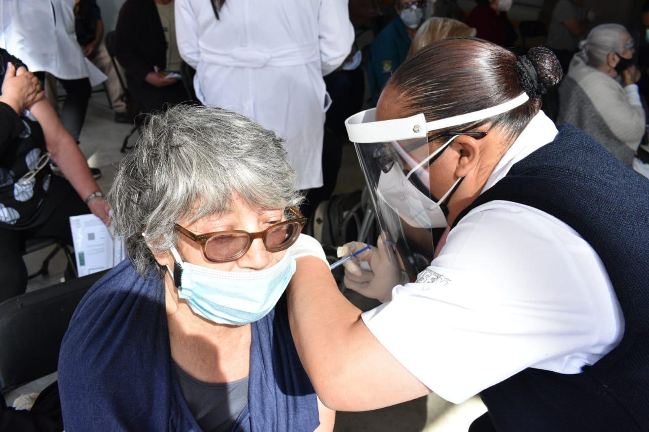 En 14 municipios del Edoméx concluyó con éxito la Jornada de Vacunación contra el COVID-19 de las personas adultas mayores de 60 años
