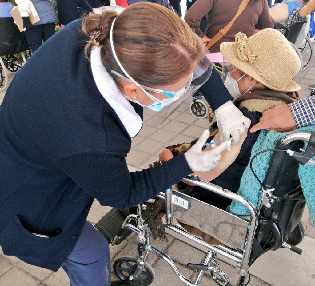 En Toluca, se reporta atención inmediata o no mayor a quince y treinta minutos en los módulos de vacunación contra el COVID-19
