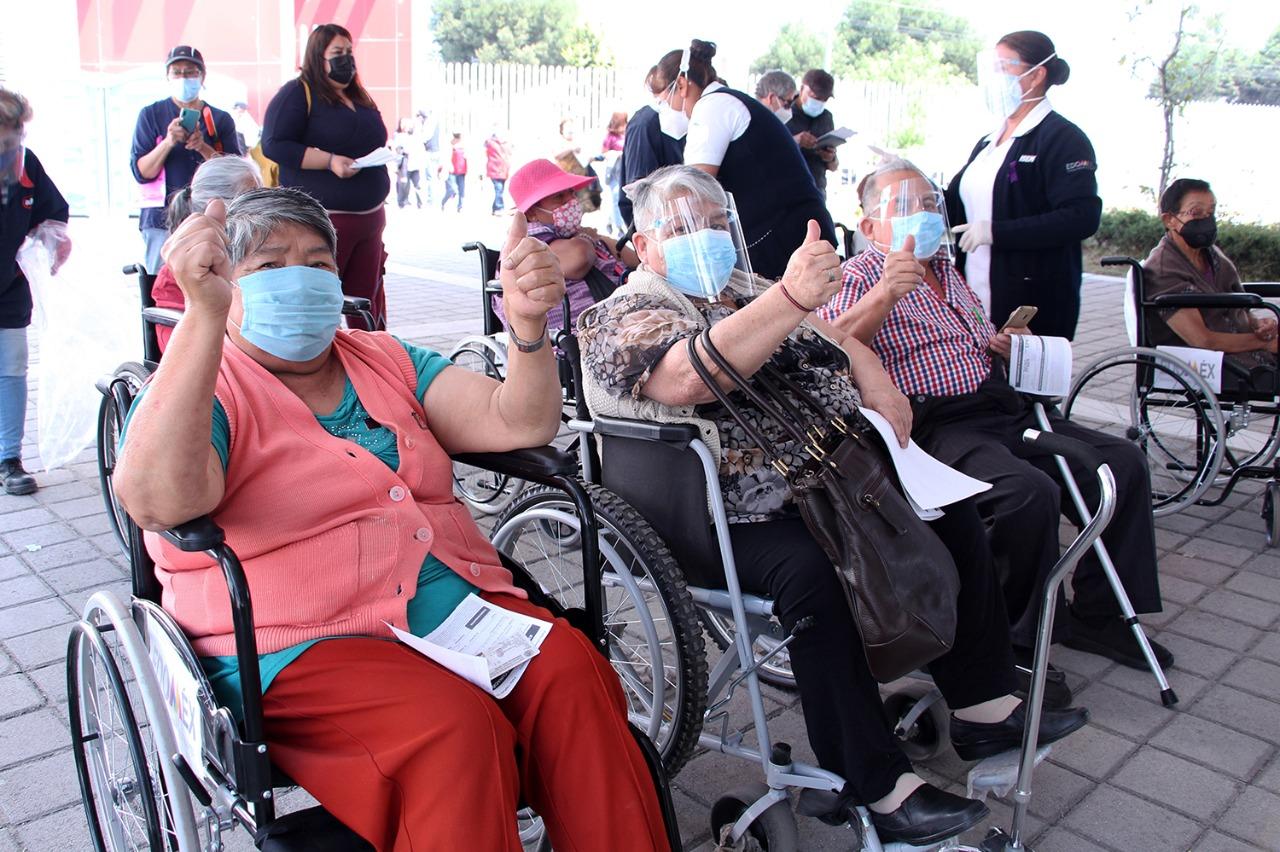 Cerca de 75 mil adultos mayores han recibido la primer dosis de la vacuna contra el COVID-19 en alguno de los cuatro módulos instalados en Toluca.