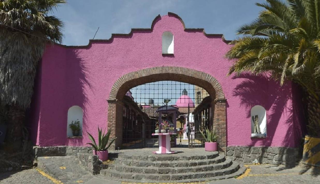 """El pasado 8 de marzo se llevó a cabo la inauguración de """"La Casa Rosa"""" en el municipio de Metepec en el Estado de México"""