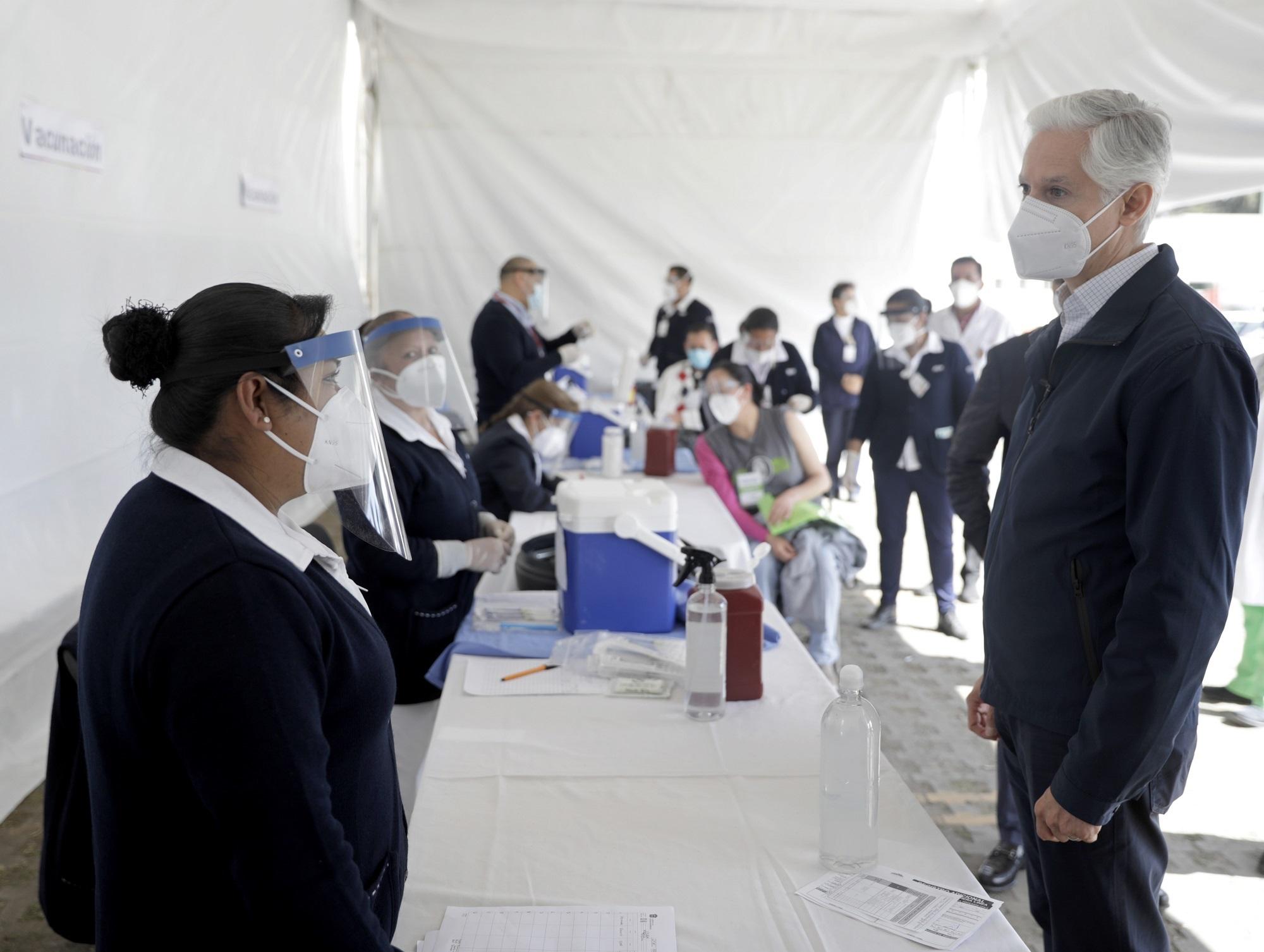 De acuerdo a un comunicado oficial del gobierno del Estado de México (Edomex) la jornada de vacunación para el personal de salud de primer nivel de atención dentro de la entidad mexiquense