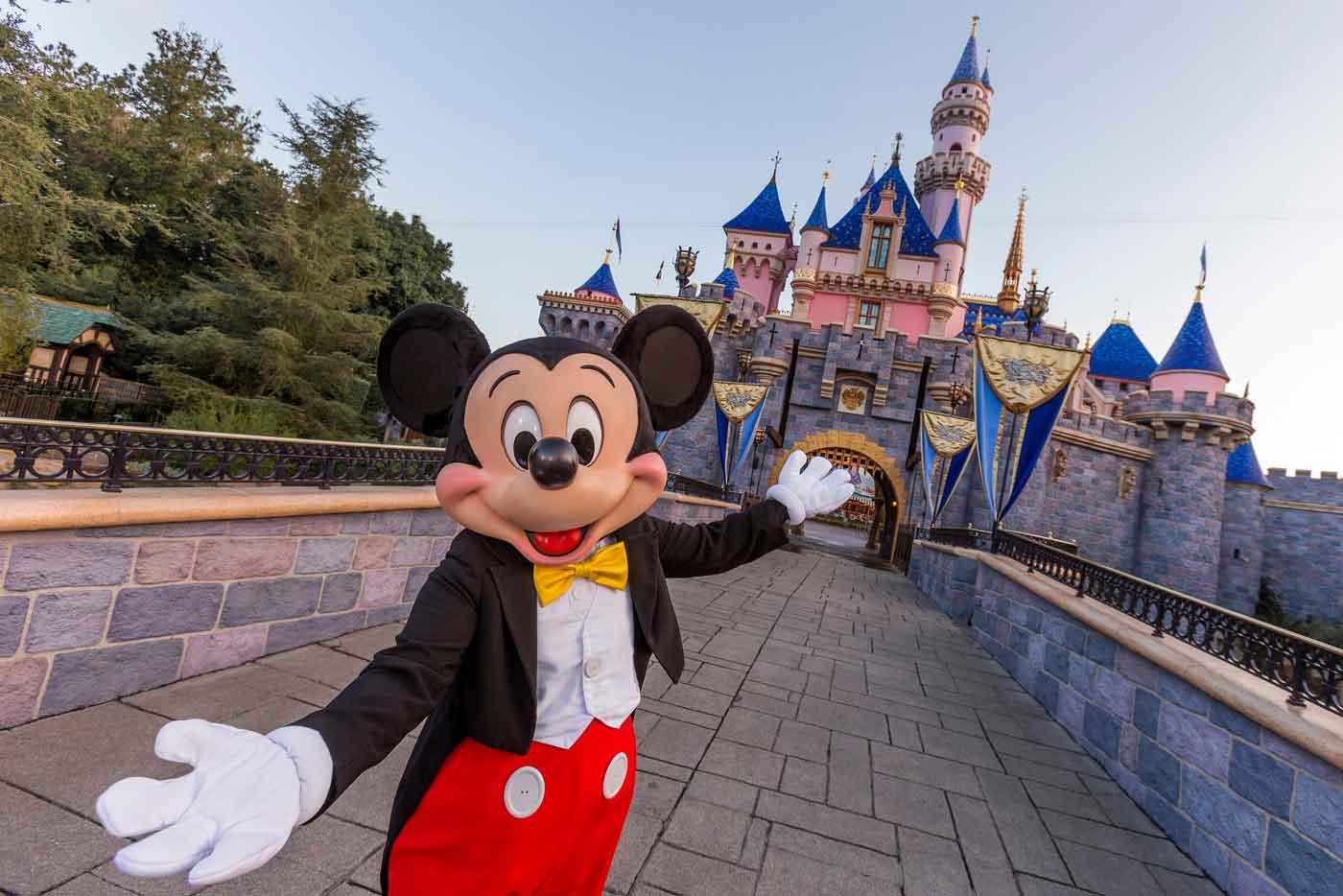 Disneyland planea reapertura para finales de abril