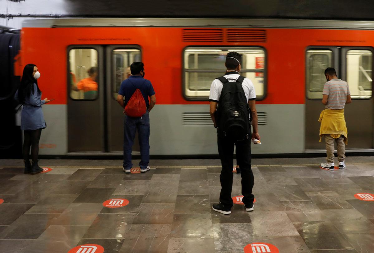 Este 15 de marzo es día feriado por lo cual el Sistema de Transporte Colectivo Metro y el Metrobús tendrán horarios especiales para trasladar a los capitalinos a su destino