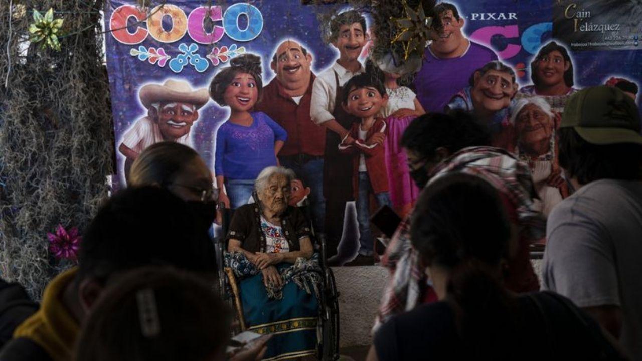 Doña María Salud es famosa por su parecido a Mamá Coco