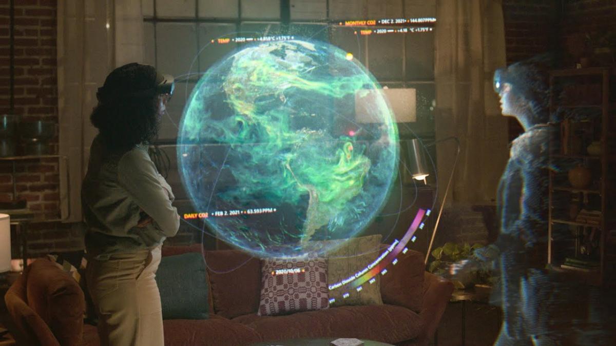 Microsoft Mesh será una plataforma de realidad aumentada, que permite que personas que están en lugares distintos se encuentren virtualmente en forma de holograma.
