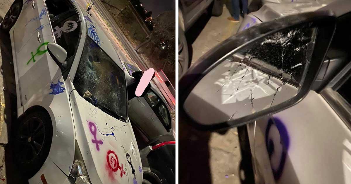 Mujer denuncia daños a su carro tras marcha del 8M || FOTOGRAFÍAS
