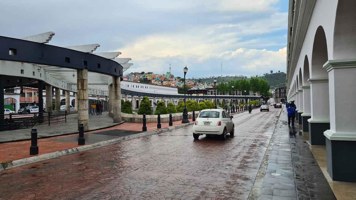 Pase turístico vehículo en el centro de Toluca. clima toluca