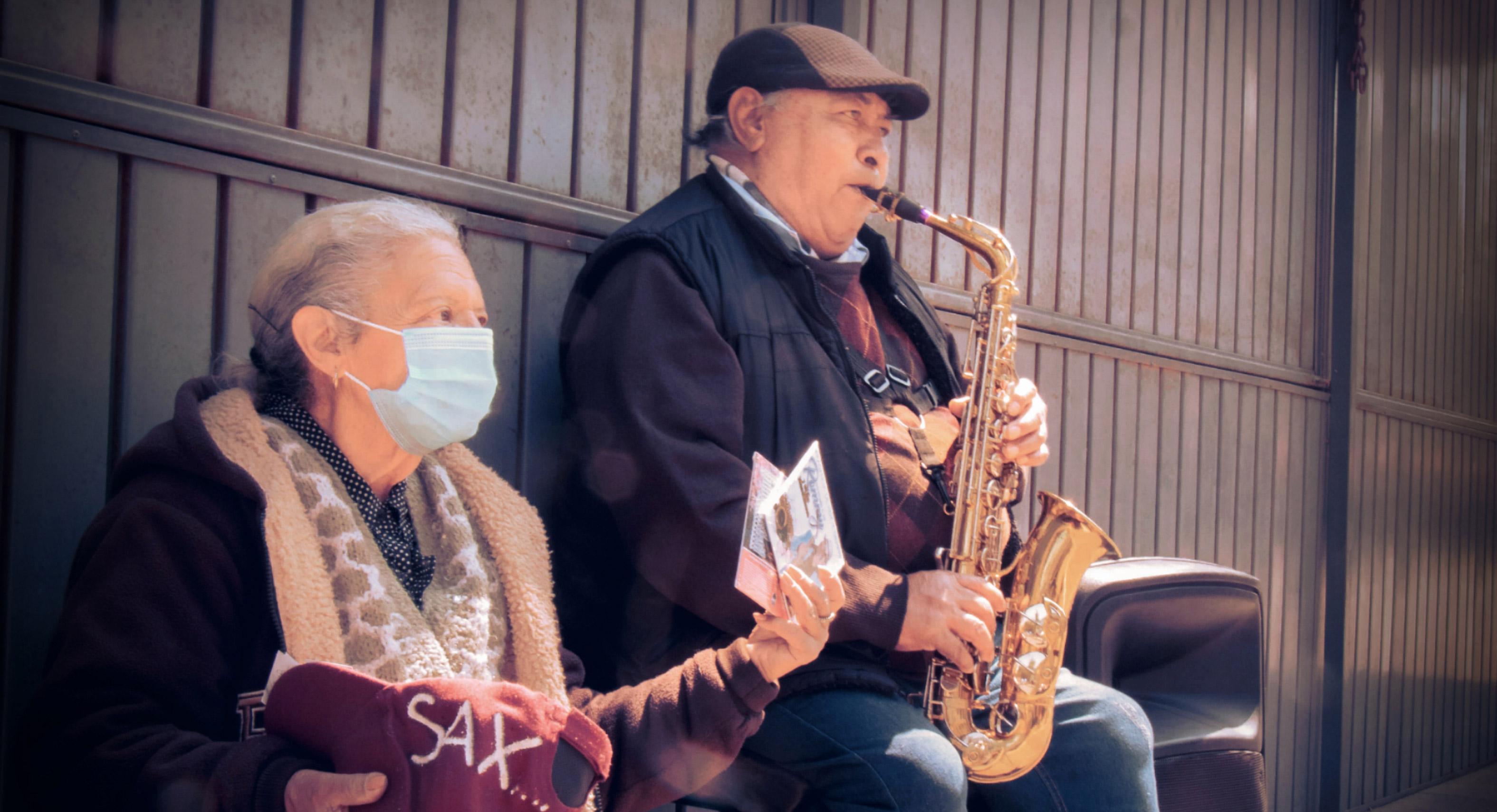El saxofonista de los portales de Toluca