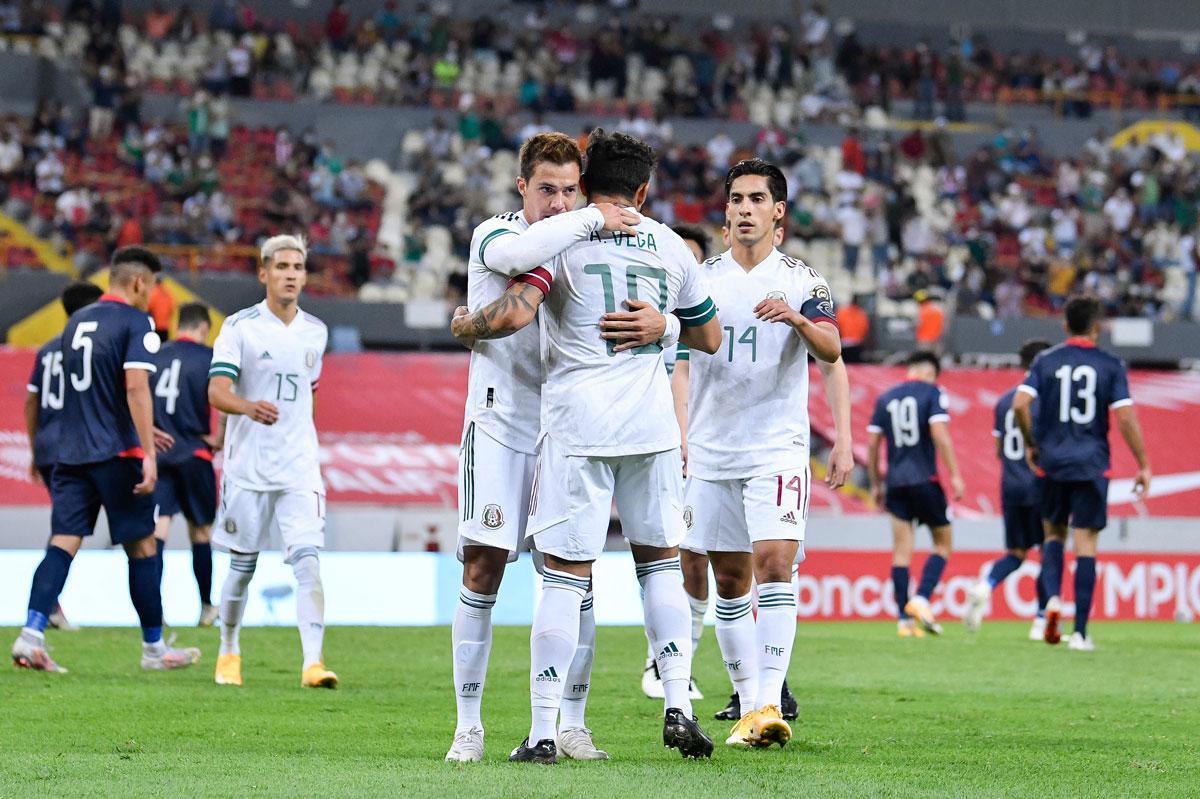 Festejo de gol de los jugadores aunque la afición no cumplió