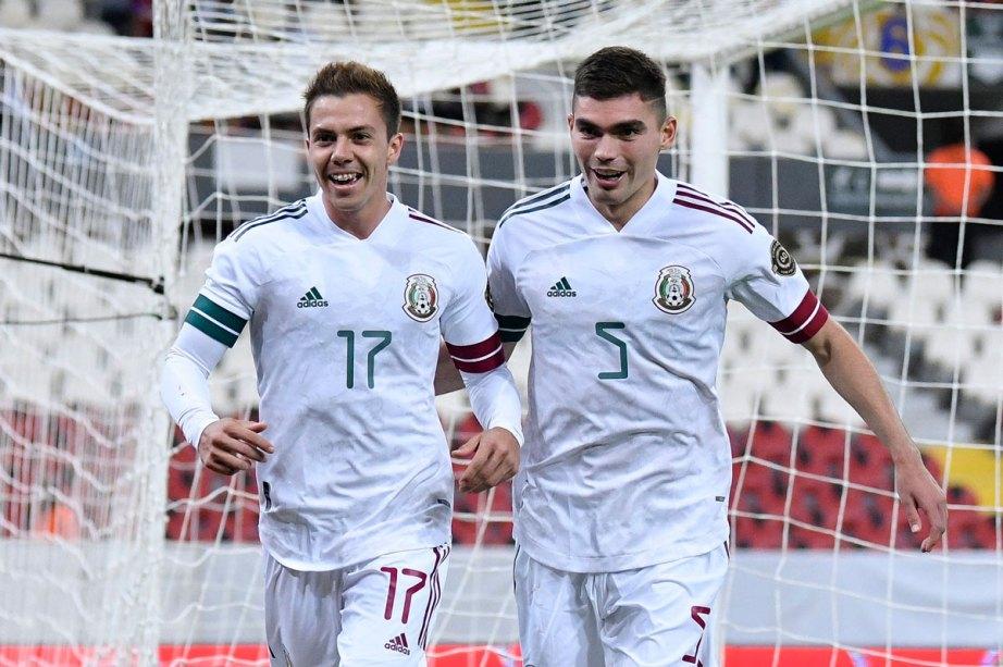 Los jugadores mexicanos festejando uno de los goles del partido de ayer