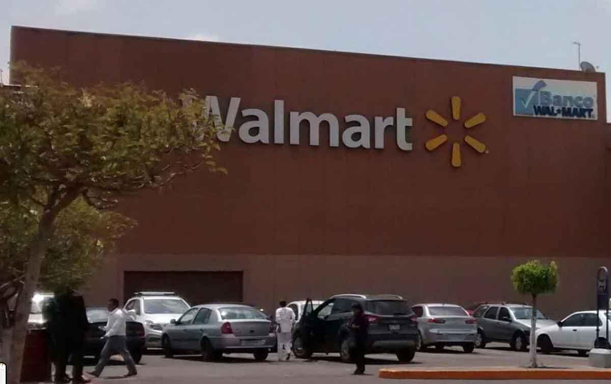 Toluca Walmart zona terminal.