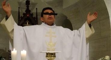 El sacerdote Francisco Javier.