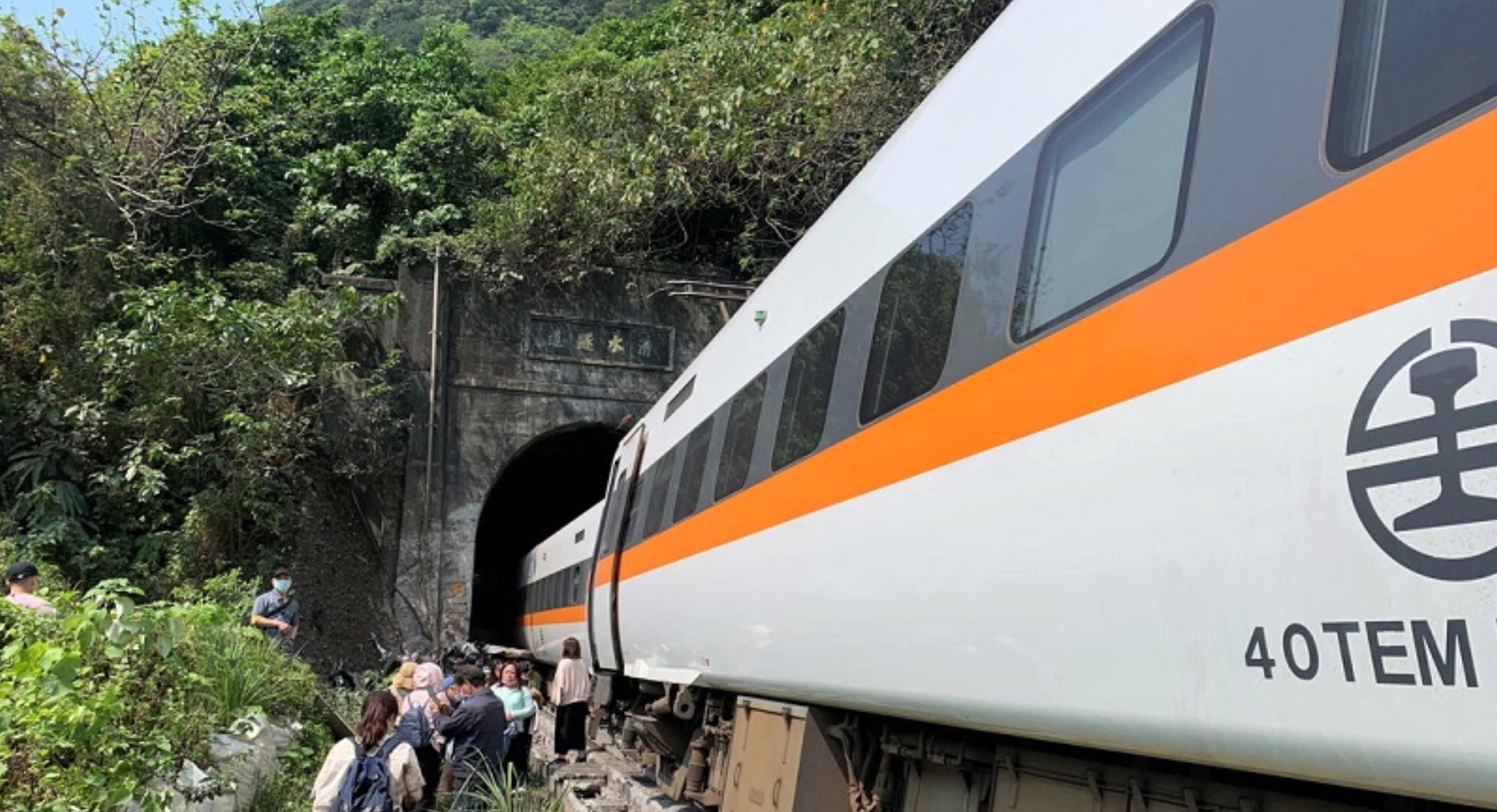 Accidente en Taiwan de un tren deja al menos 40 fallecidos