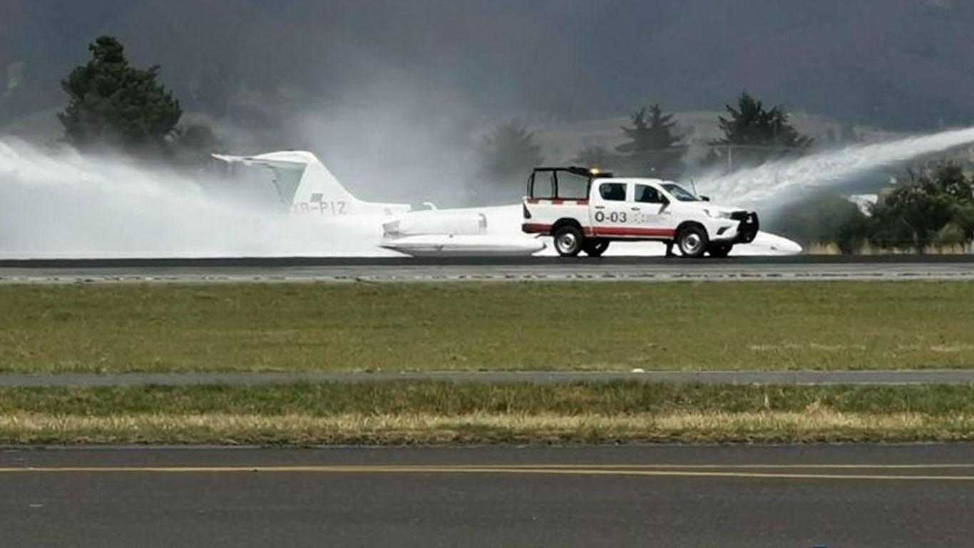 Aeropuerto de Toluca – aterriza aeronave de emergencia (VIDEO)