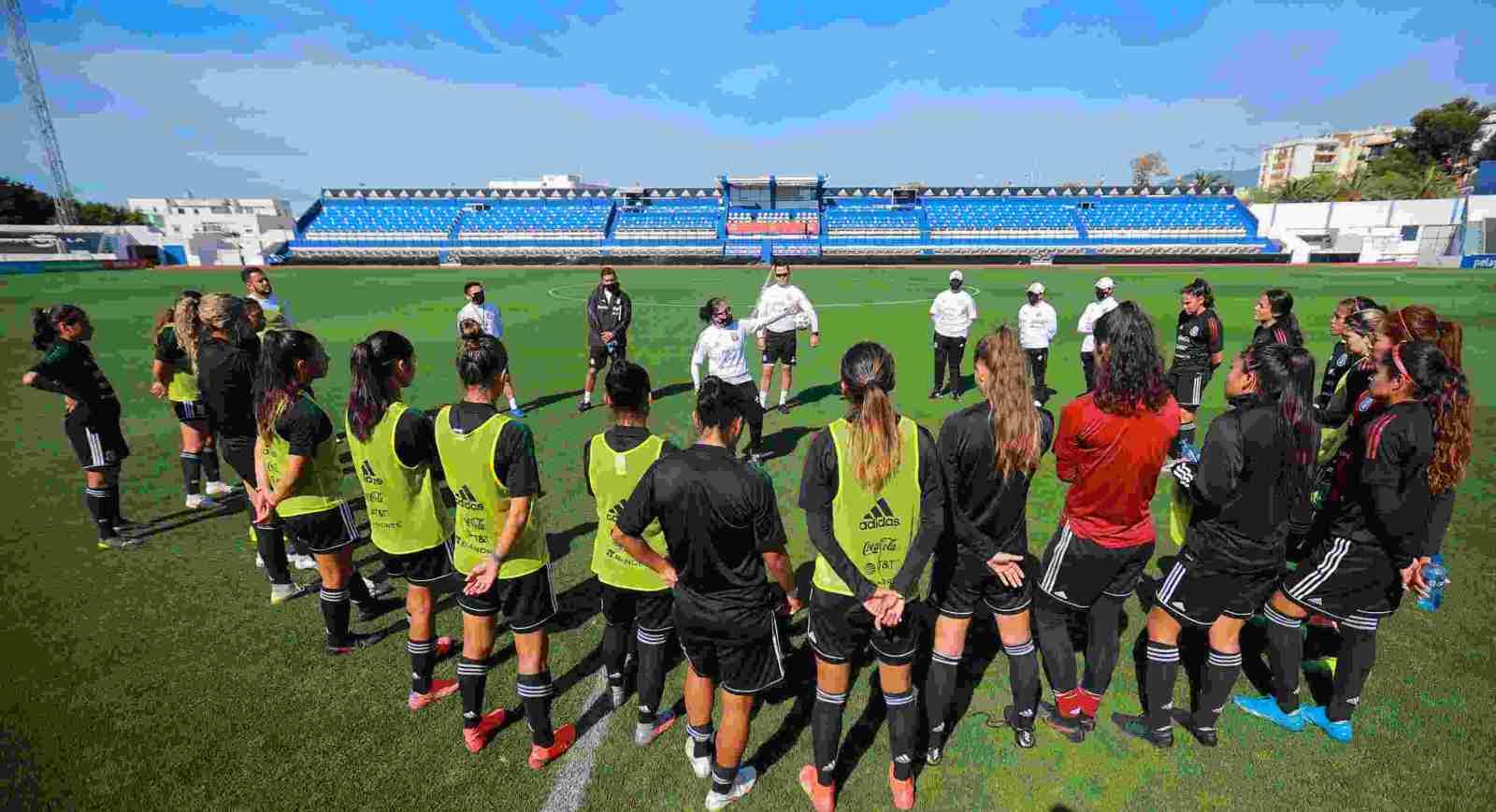 Selección Femenil de México se enfrenta contra selección femenil de españa