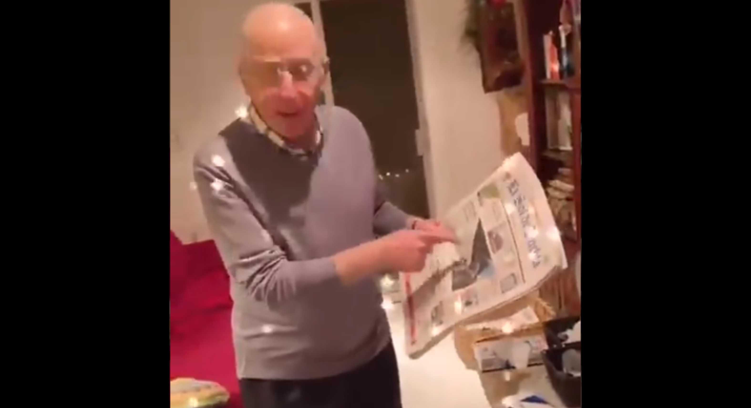 Papá reacciona a fotografía en periódico de su hija feminista