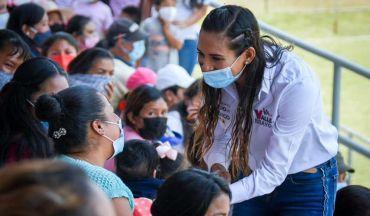 Zudikey Rodriguez ha visitado las calles de Valle de Bravo con el fin de ayudar a su pueblo