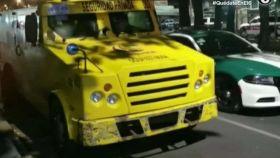 Custodio de camioneta de valores roba 11 millones de pesos y huye del lugar