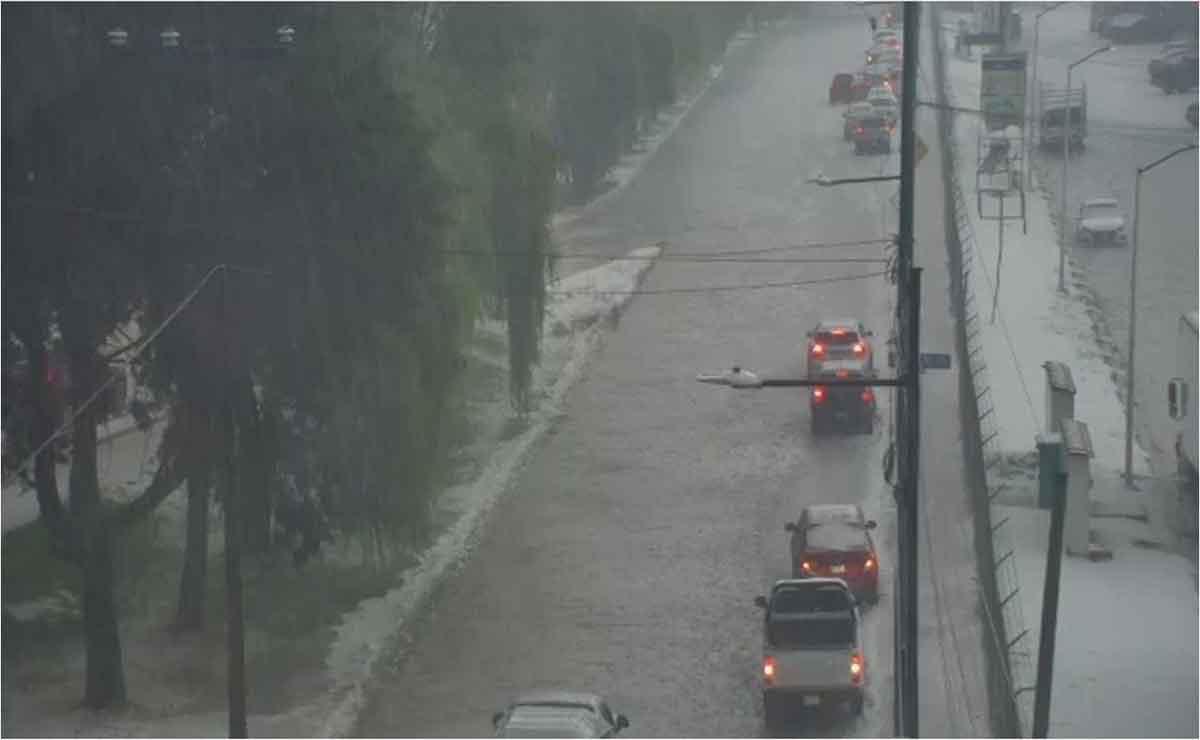 En Toluca se inunda Paseo Tollocan