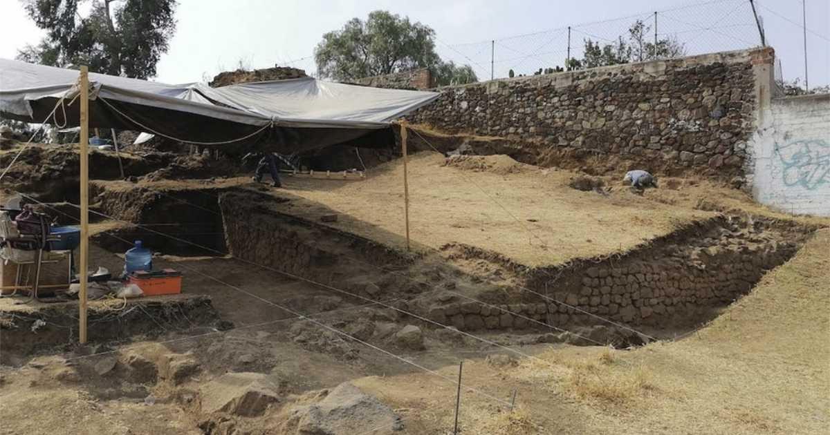 Descubren pirámide prehispánica en Tlalmanalco, Estado de México