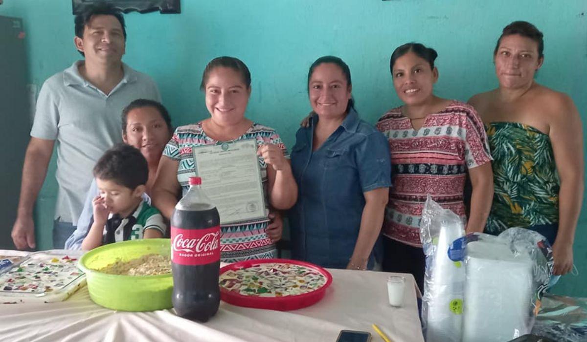 Mujer realizó una fiesta con sus amigas para celebrar su divorcio