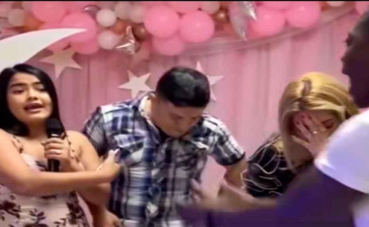 Mujer fiesta de cumpleaños infidelidad.