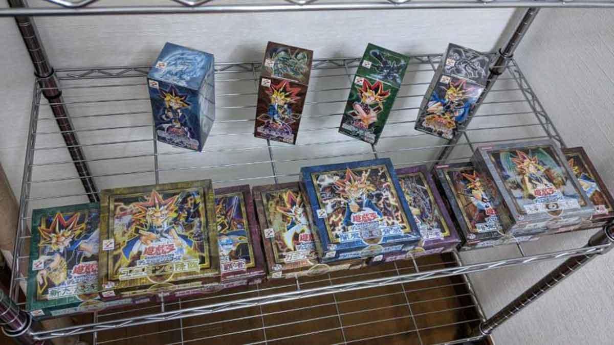Mujer vende colección completa de Yu-Gi-Oh!