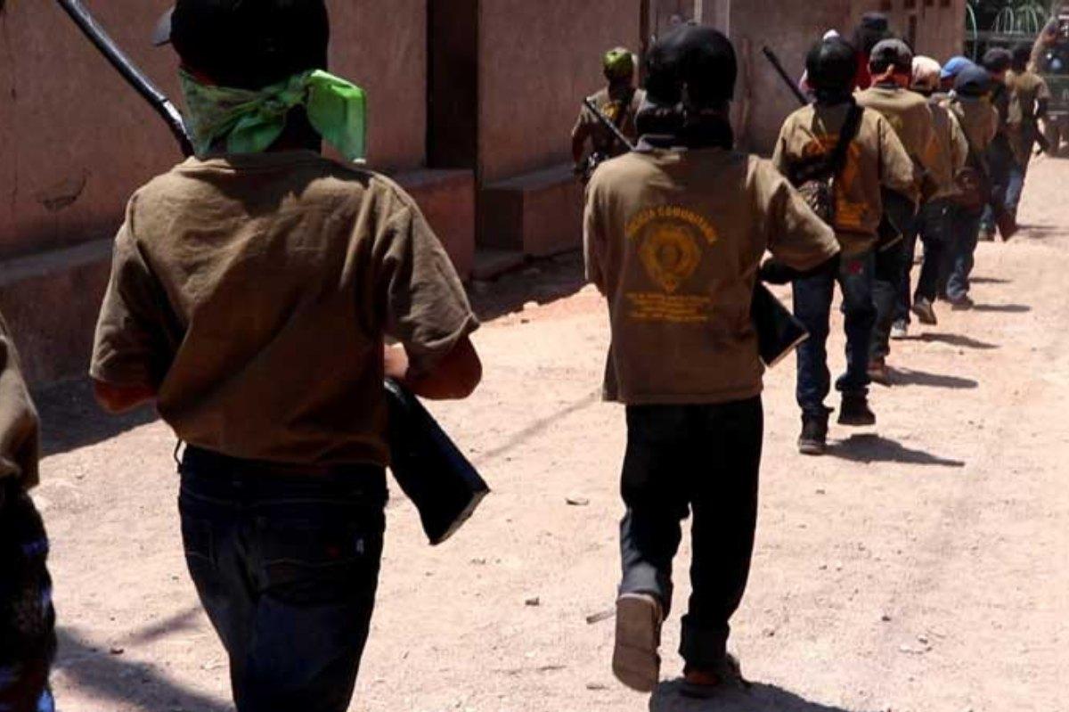 Los niños son uniformados y formados para cuidar a su comunidad