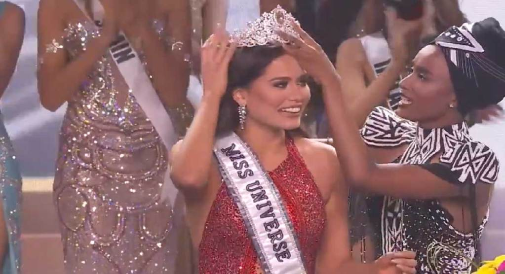 Andrea Meza, las mexicana es coronada en el 69 certamen miss universo 2021