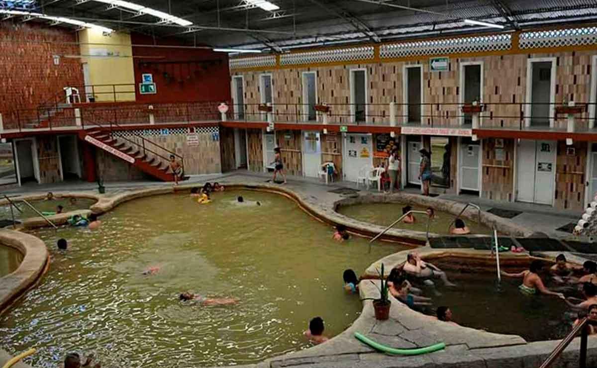 Balneario municipal el bañito en Ixtapan de la Sal.