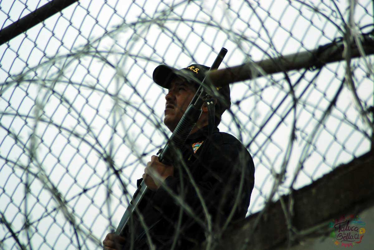 La Secretaria de Seguridad del EdoMéx ofrece empleo como custodio penitenciario
