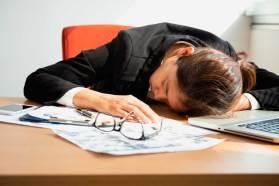 OMS advierte que trabajar más de 55 horas aumenta el riesgo de muerte