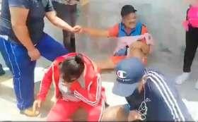 Habitantes de Metepec confrontan a Gaby Gamboa.