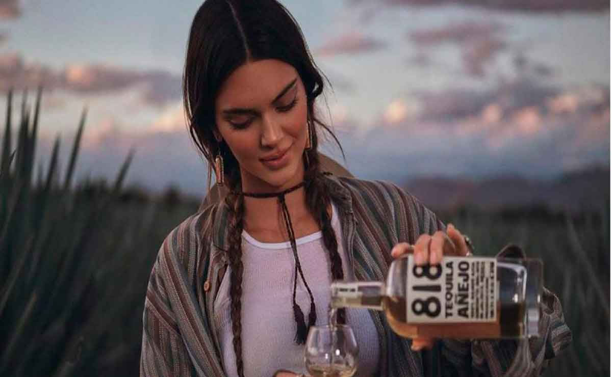 Kendall Jenner lanza tequila 818.