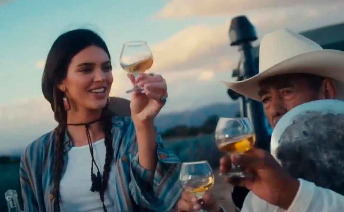 Kendall Jenner es criticada por su nuevo tequila.