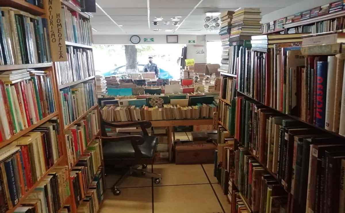 Librería de Toluca en quiebra: Remata libros.