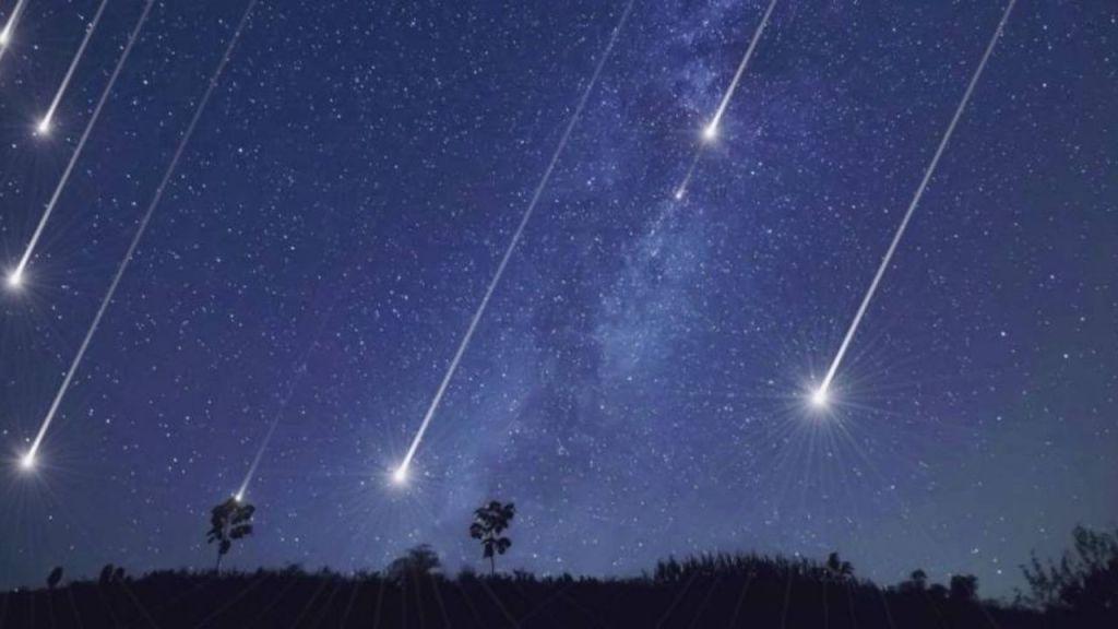 """Es un cometa grande y brillante que orbita alrededor del sol cada 75 años en promedio, también es uno de los más conocidos cometas de """"periodo corto""""."""