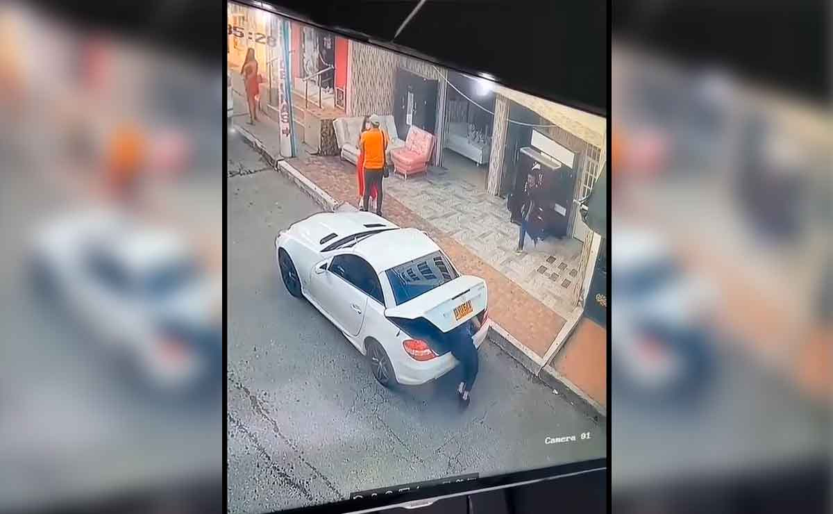 Mujer esconde a amante