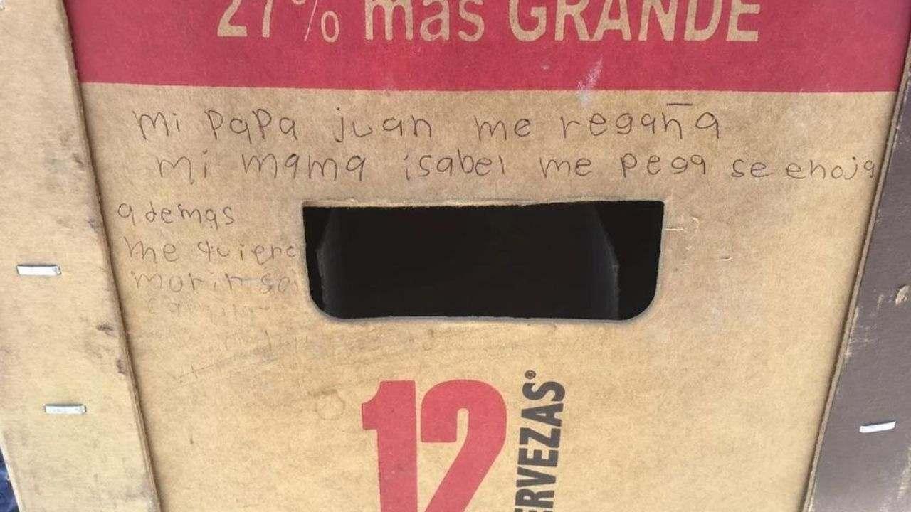 Descubren mensaje de niña víctima de maltrato escrito en un cartón de cerveza en Coahuila