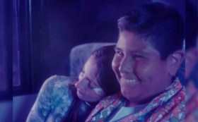 Niño del Oxxo reaparece ante las cámaras como galán de videoclip de reguetón