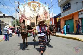 El Paseo de San Isidro se caracteriza por los hombres que se visten de mujeres y ponen el ambiente