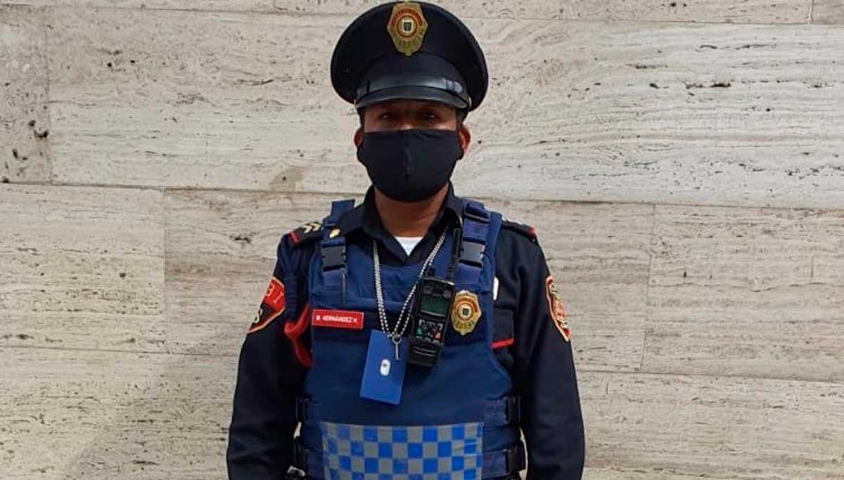 Policía de la CDMX devuelve cheque de 40 millones de pesos