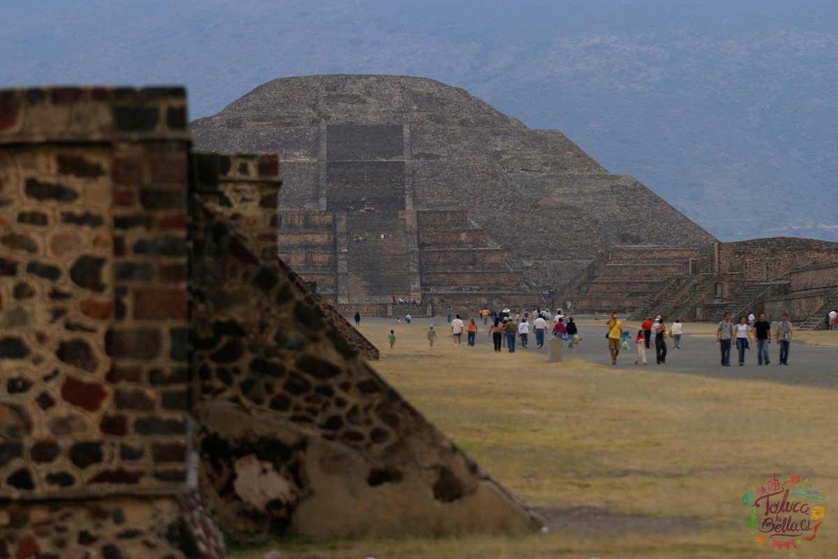 La zona arqueologica de Teotihuacán es una de las más visitadas en el EdoMéx