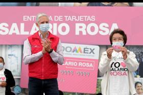 Alfredo del Mazo otorga tarjetas del salario rosa a 5 mil beneficiarias en 12 municipios