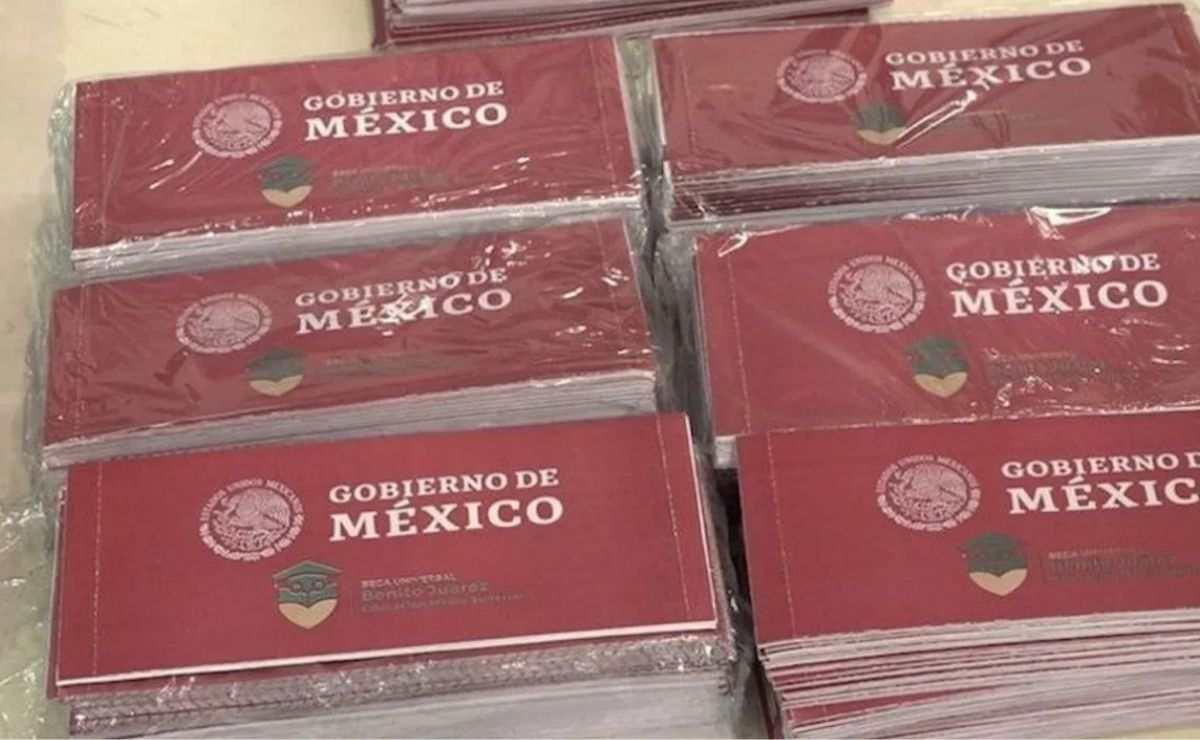 Para realizar tu registro a una de las Becas Benito Juárez 2021, tendrás que comunicarte vía telefónica a la línea de Atención Ciudadana del Programa al 55 1162 0300