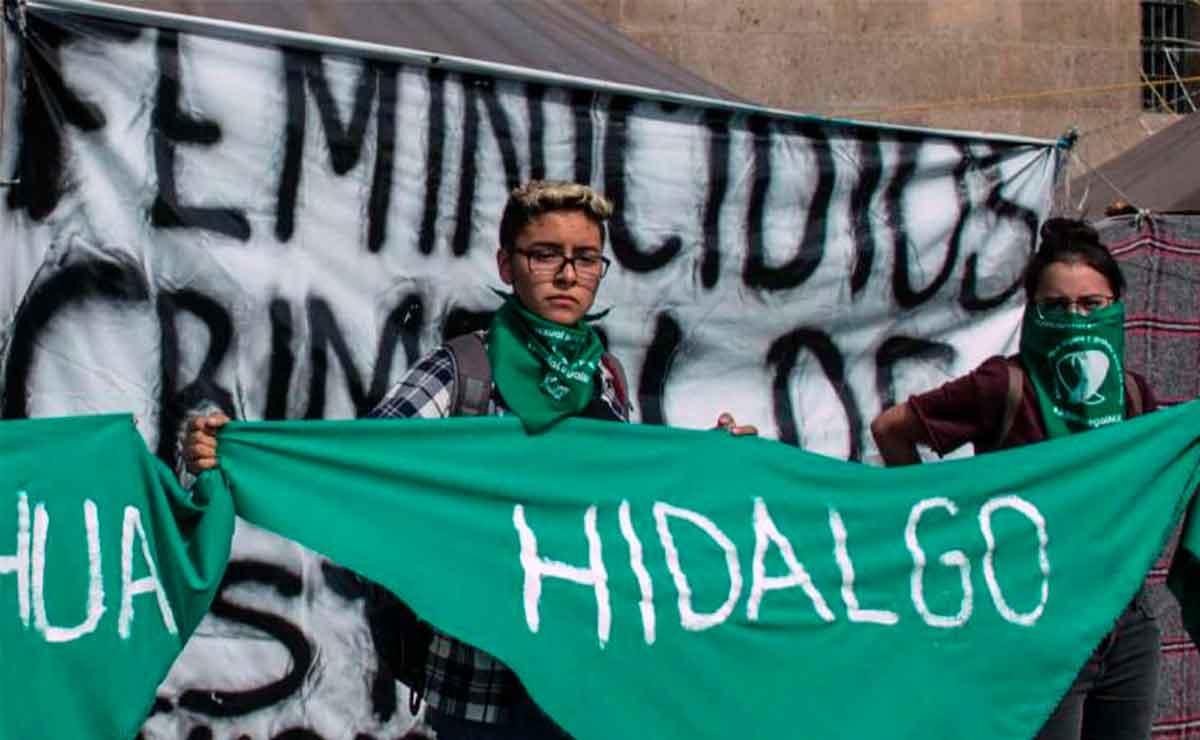 Feministas celebran despenalización del aborto en Hidalgo.